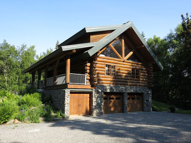 Log Cabin in South Anchorage - Entire Home
