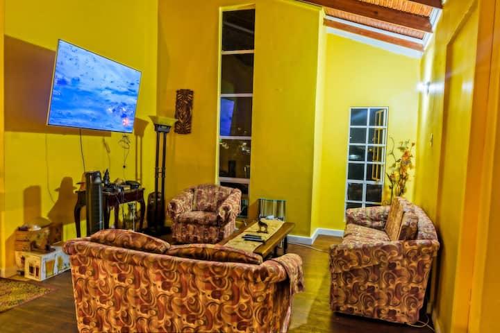 Villa Patricia Private Room #6 w/Shared Bathroom
