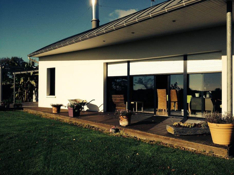 Maison contemporaine exposée Sud - Lumineuse