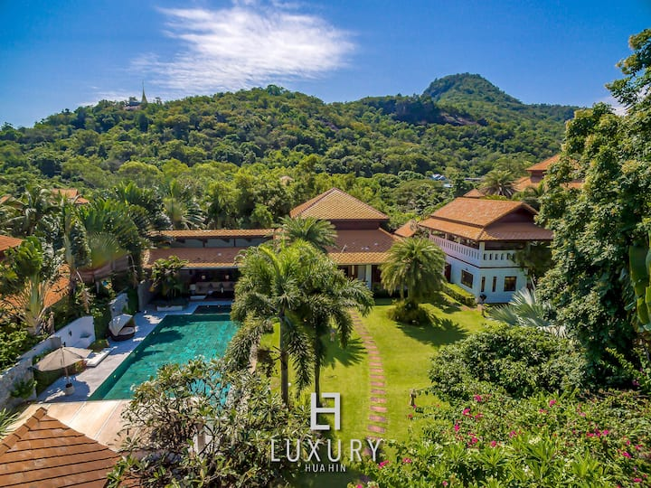5 Bedroom Bali Style Mansion in Great Location!