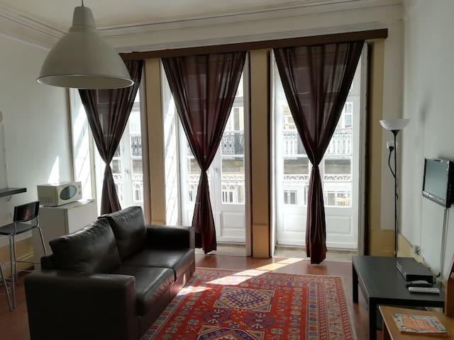 """House in the center of Porto - """"Movida"""" suite"""