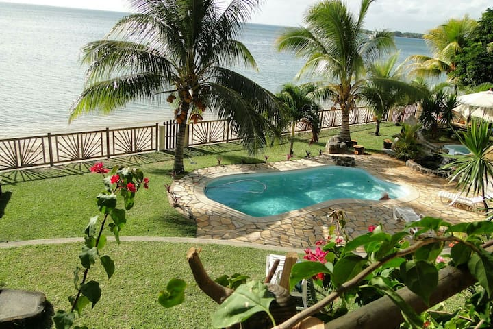 Villa le Mauridul Belle Villa pied dans l'eau - Baie du Tombeau - Vila