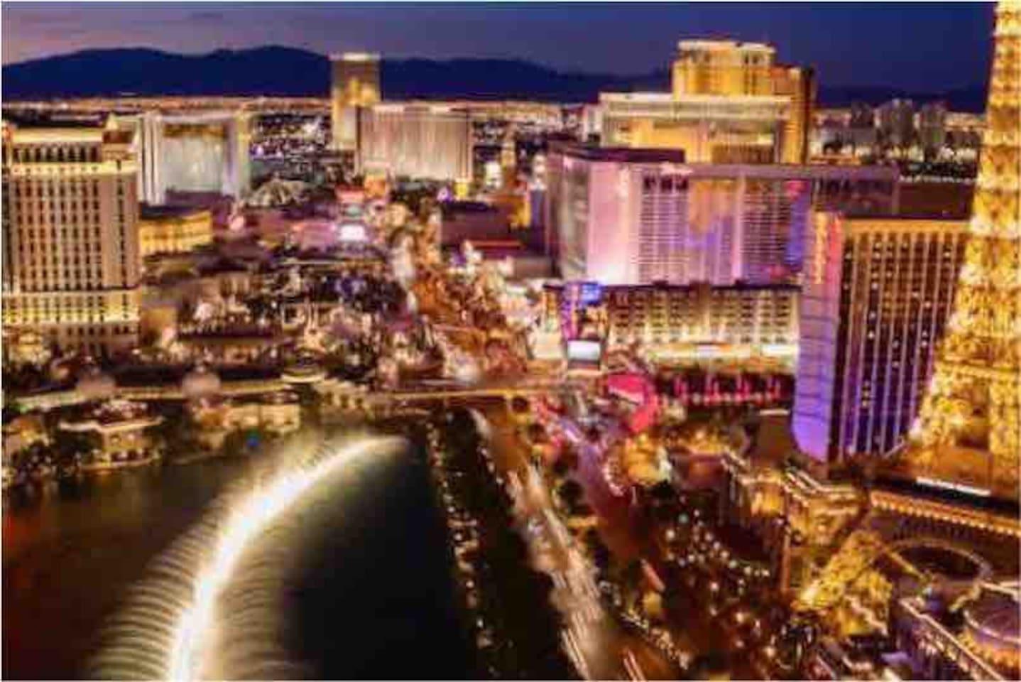 Las Vegas blvd strip! This is Las Vegas beautiful strip!