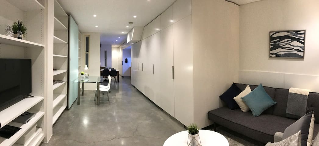Funky and convenient in the City: the Nexa room