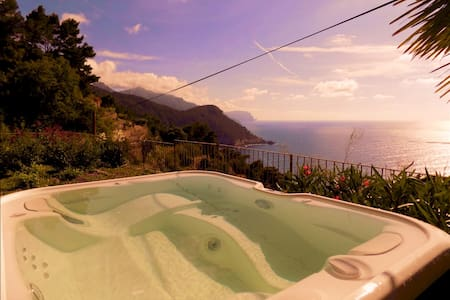 Can Co House, House, Pool & Jacuzi, Banyalbufar 6 beds, Panoramic Unesco view, Charming estate, a very peaceful snorkeling bay nearby