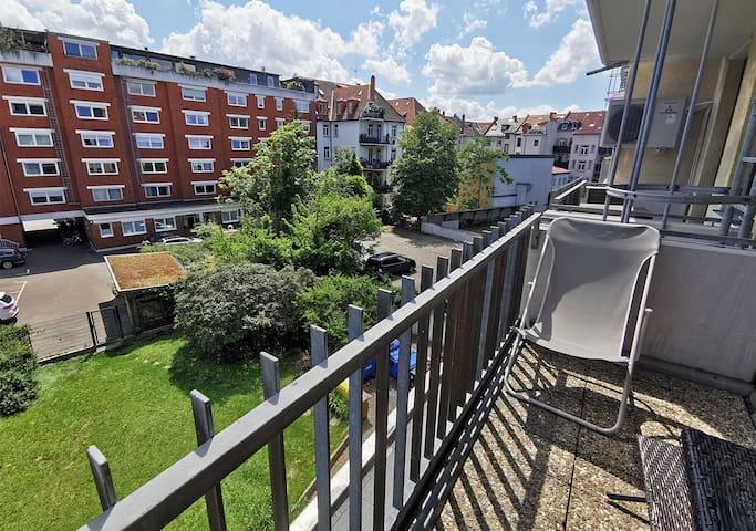 city center | balcony | netflix | big grocery shop