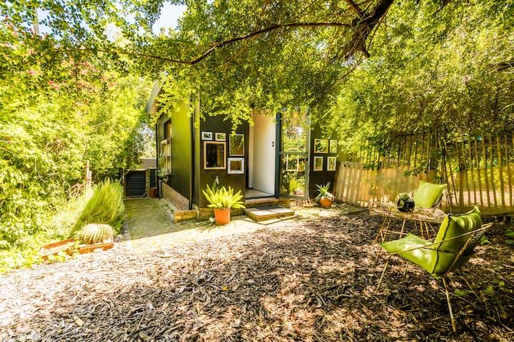 Stellenbosch Gardens Protea Cottage