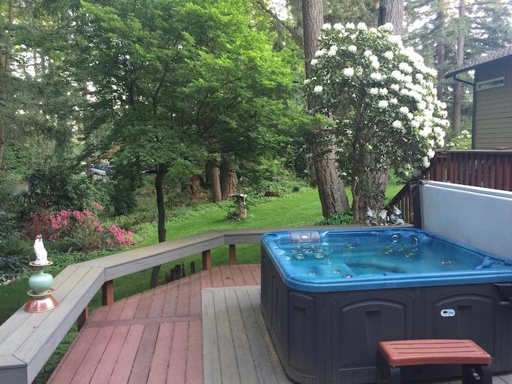 Sammamish Woodland Retreat  Guest Suite