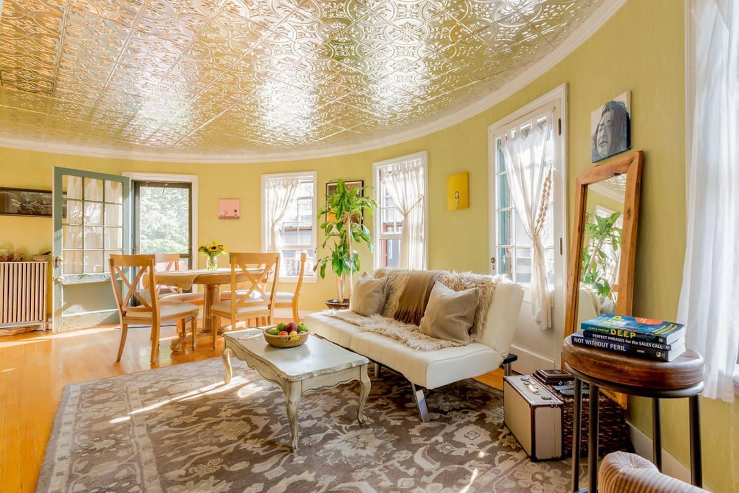 Round Living room