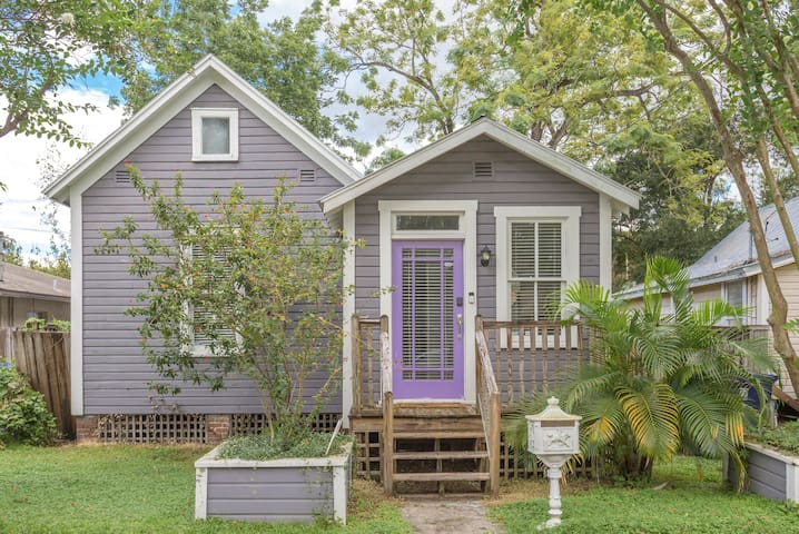 Periwinkle Place - Perfectly situated in Tampa