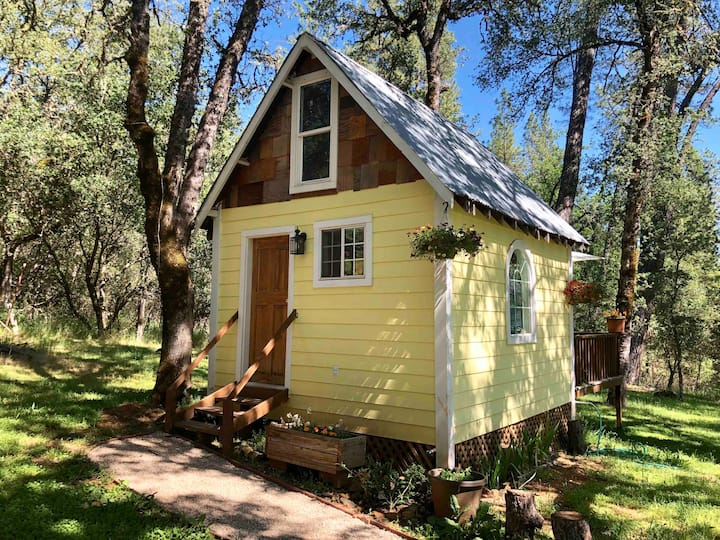 Nevada City Country Cottage