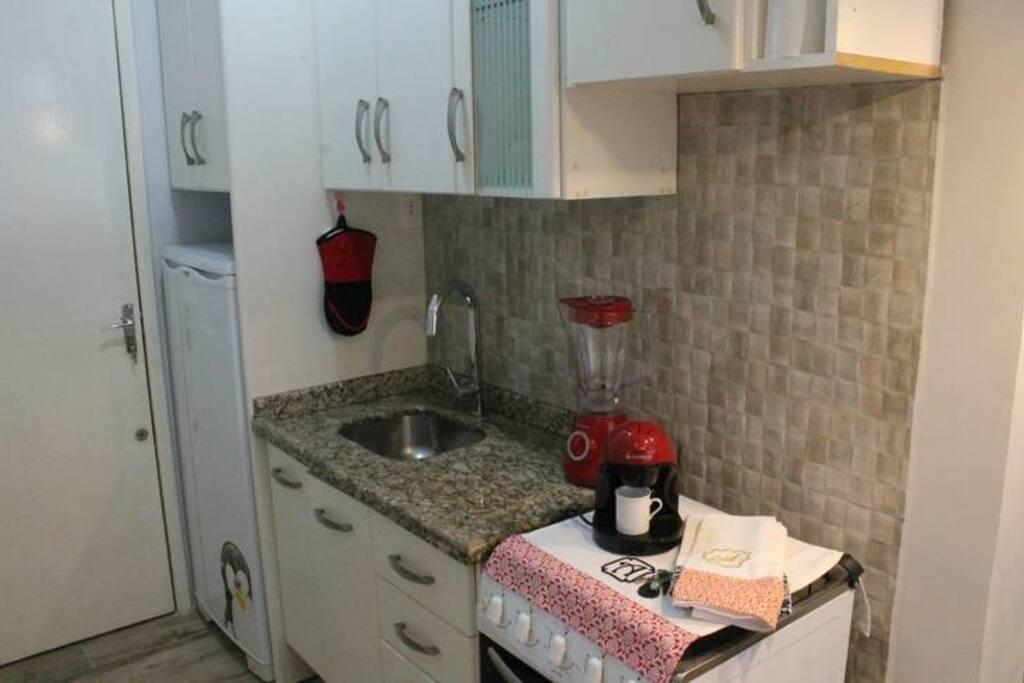 Cozinha funcional e bem equipada