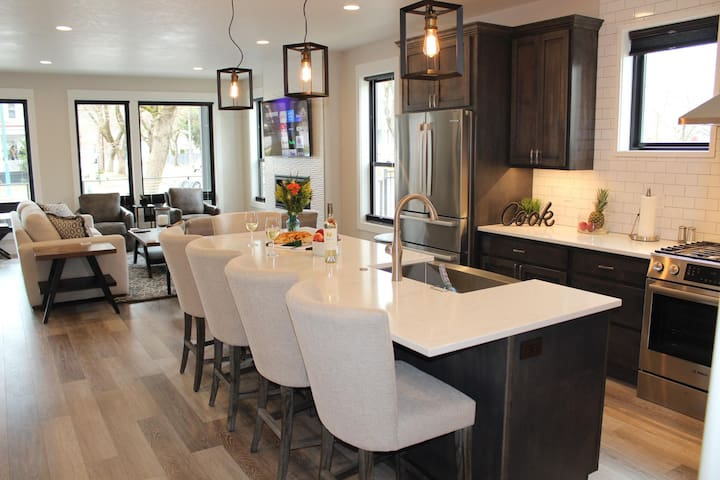 Stunning Downtown Home on Sherman Ave