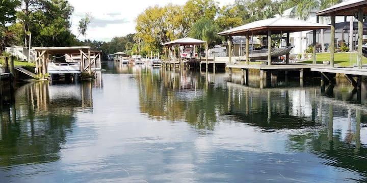 Gorgeous Crystal River, FL Waterfront 3/3 w/ Dock!