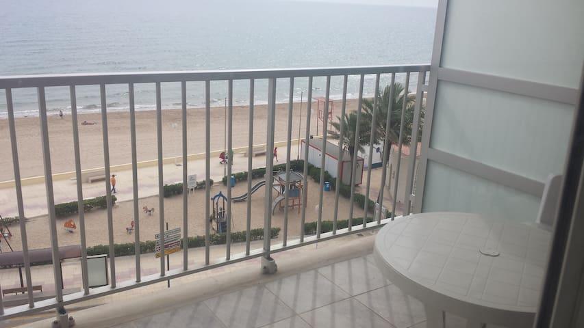 Gran apartamento frente playa con garaje - Bellreguard