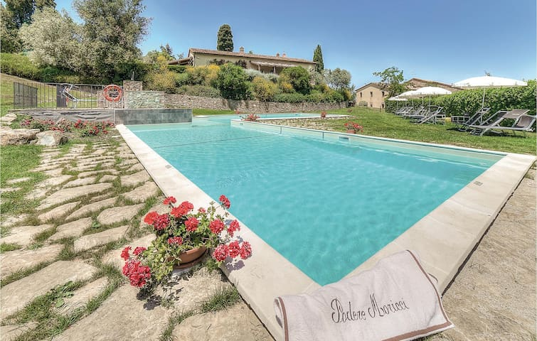 Holiday apartment with 2 bedrooms on 85m² in Montaione FI