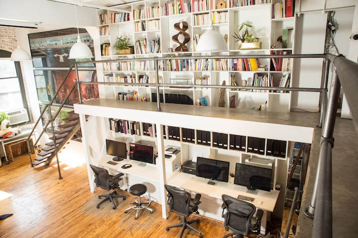 Office: Enjoy the huge Library full of art books! Plug your laptops into the large MAC Apple screen Display 27-inch Thunderbolt Monitor for work or to watch a movie. Relax in the comfortable Herman Miller Aeron office chairs, Adjustable Posturefit.