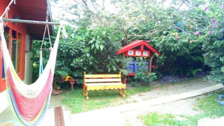 Hermosa Habitación en Pensión Colibrí B&B... CR.