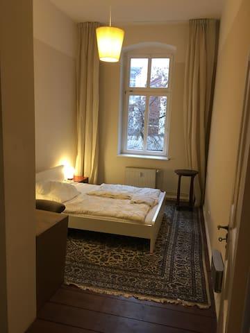 Alt-Bau room, Prenzlauer Berg 2 Mar - 11 Mar 2020