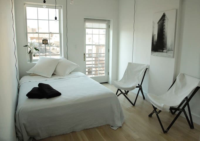 PRIVATE BEDROOM IN BRAND NEW CONDO IN BED STUY