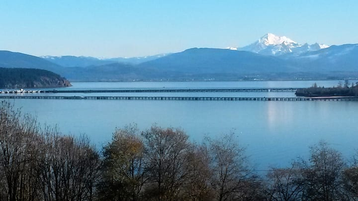 Anacortes  Water/Baker View Apartment