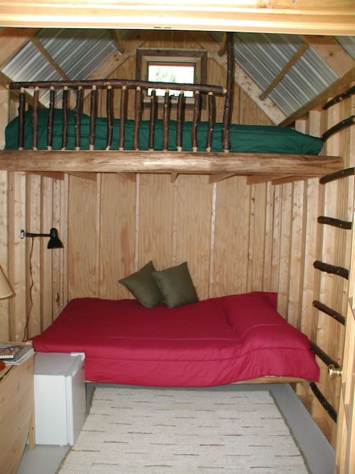 Each cabin has 2 queen bunk beds and the extended cabins have an additional twin bunk