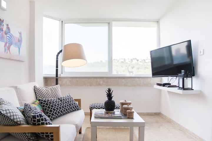Sunny 2BR Designer Apt in Haifa WOW - Haifa - Appartement