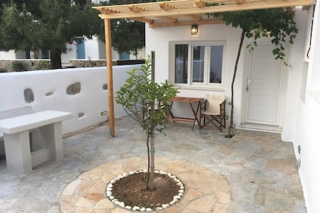 Cosy Apt perfect for romantic getaway by the sea