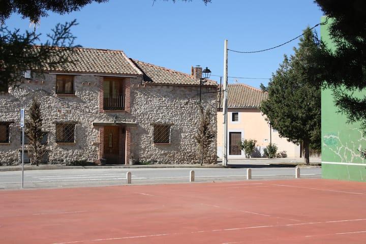 La Lunita de Enero en Segovia de 4 a 7 personas
