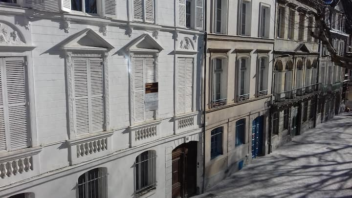 Very convenient flat in Rouen city centre