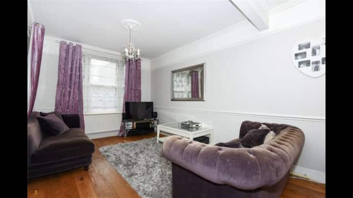 Central Windsor Victorian 3 bed Villa
