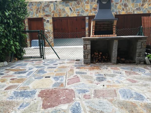 Adosado con terraza (VUT)