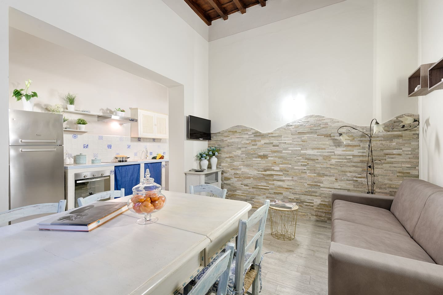 Santa Croce Cathedral - Apartments for Rent in Florence, Toscana, Italy