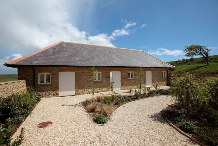 The Cow Byre, Wears Farm, Abbotsbury, Jurassic Coast, SWCP, South Dorset Ridgeway - Abbotsbury - Haus