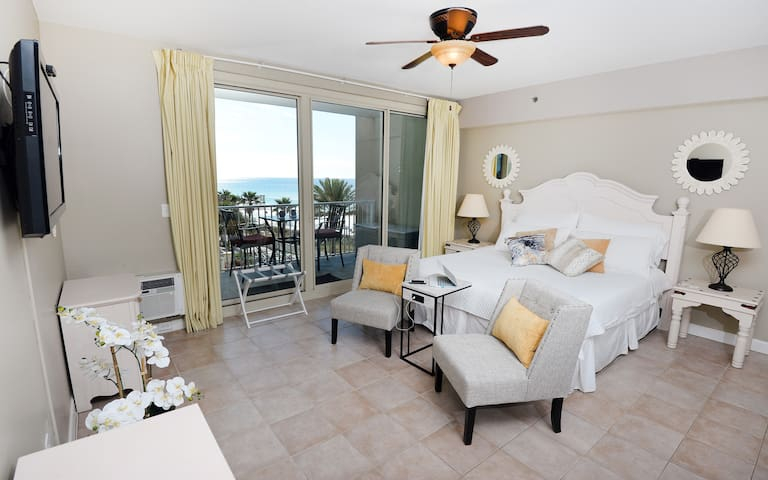 Perfect for Two! Shores of Panama 4th Floor Studio