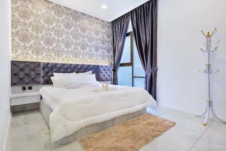 2-4 pax comfort luxury.Easy to everywhere