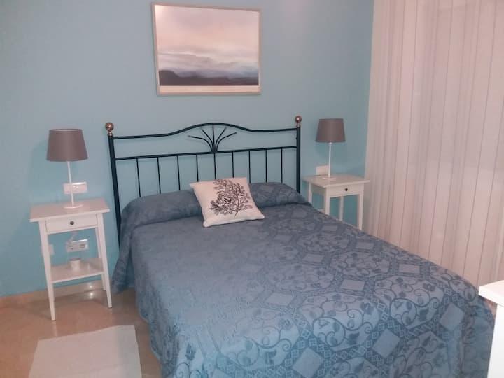 Bonito y tranquilo apartamento cerca del mar