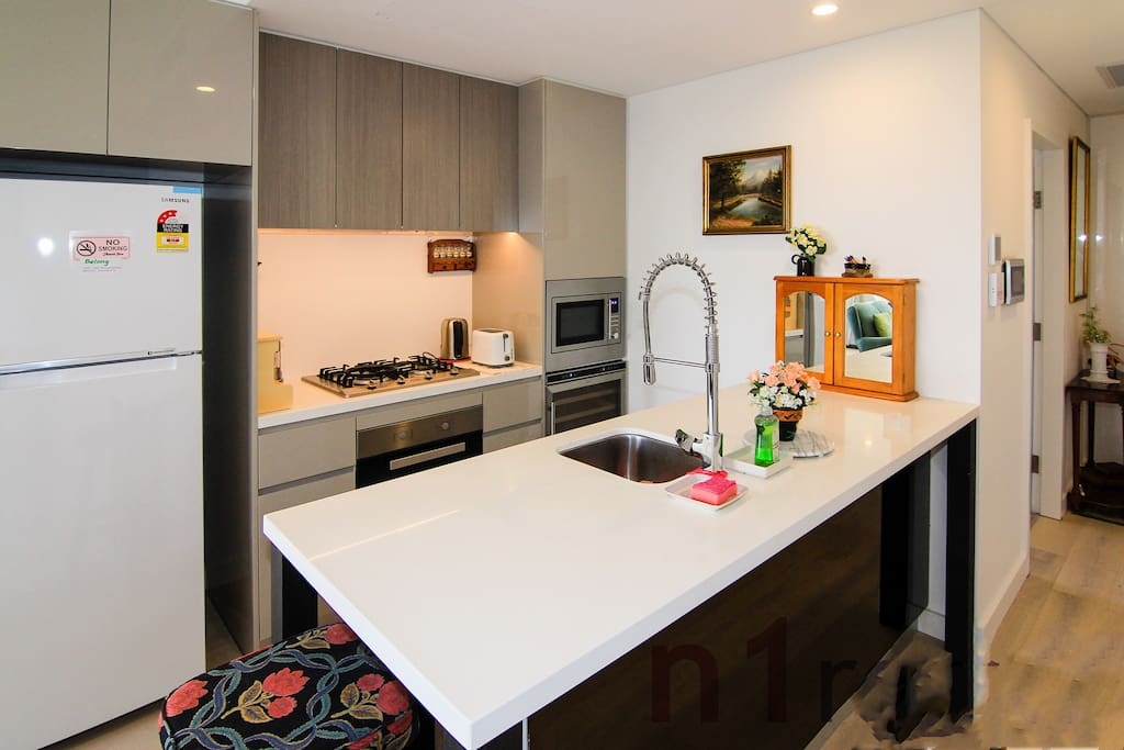 Well equipped kitchen with brand new facilities