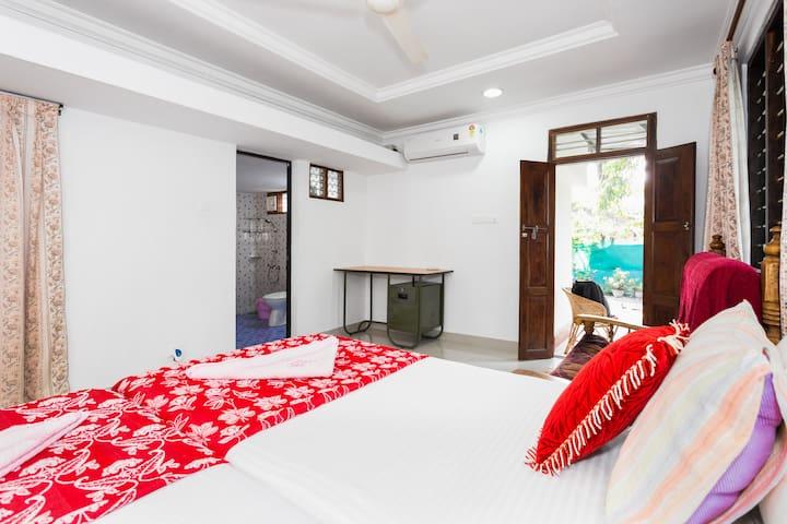 Spacious Private room near Marari Beach - Mararikulam - Szoba reggelivel