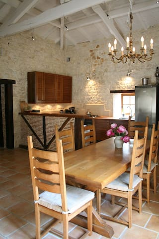 Quercy stone house with private swimming pool - Bourg-de-Visa - Casa