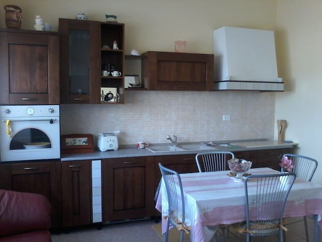La casa del tuo riposo - Carlentini - Huoneisto