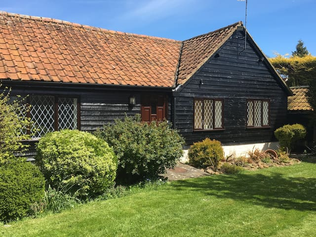 Separate Annexe in Eaton Bray