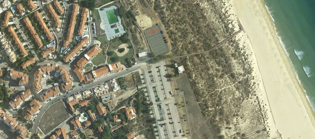 Aerial image, apartment is located 2 min from the beach