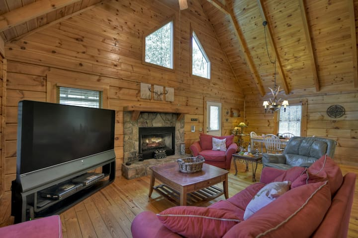 Family room at Seclusion at Hideaway Mountain