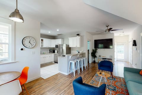 Dog-friendly home w/ large porch, steps to beach, shops & more!