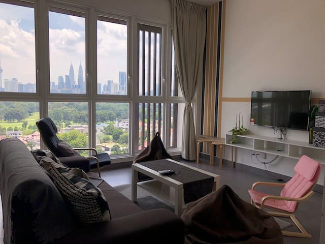 S-Home Sentrio Modern Cozy Condo with KLCC view