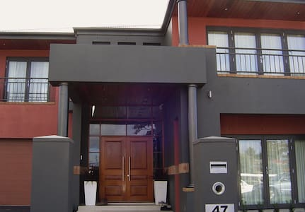 Master room with ensuite and private balcony! - Harrison