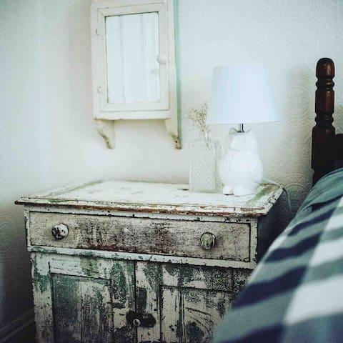 white room*the winnett house