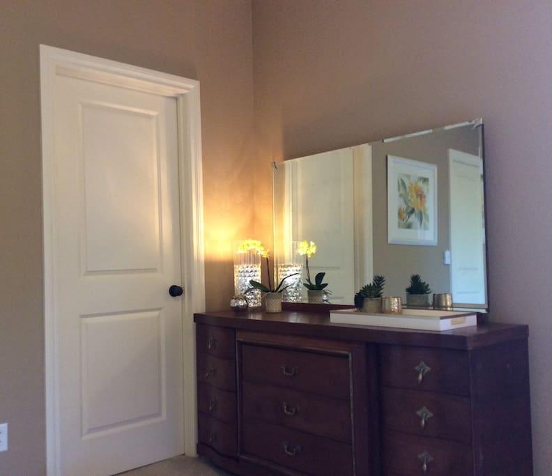 Master bedroom w/walk-in closet
