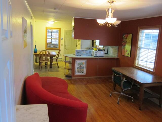 Cute 2 bedroom apt in central, funky Anchorage - Anchorage - Apartment